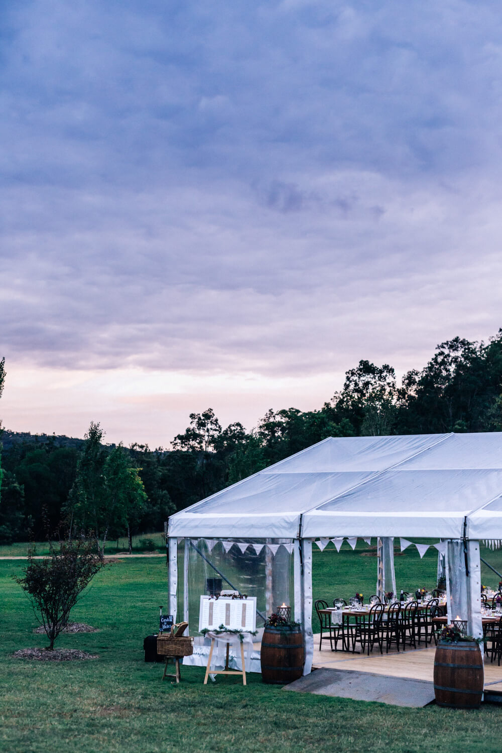 hunter valley wedding photographer marquee in the garden of redleaf wollombi at sunset